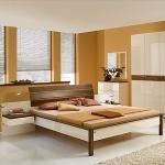 Schlafzimmereinrichtung - Comos Bett - Hochglanz u. Massivholz